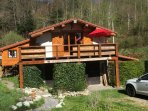 First floor alpine style chalet apartment with great views next to the lake