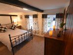 Shoemakers Cottage 17th Century Four Storey Town House Buckinghamshire
