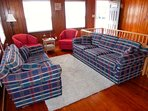 Couch,Furniture,Blanket,Home Decor,Quilt
