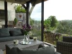 The conservatory - an ideal spot for an aperitif!