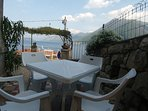 Side Terrace/Patio