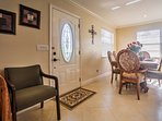 Breakfast nook - perfect for your morning coffee and the paper!