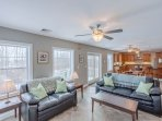 3BR, 1BA Secluded & Beautifully Furnished Maine  Mile to Beach