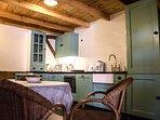 keuken van het Maison des Framboises, dat u mogelijk ook aangeboden wordt.