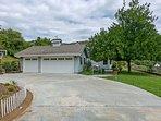 3BR, 2.5BA Impeccably Designed Escondido Home Huge Grounds, Mountain View!