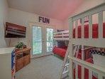 2nd Floor Guest Bedroom - Sleeps 4