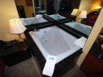 Whirlpool Tub for Honeymooning