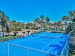 Destiny West Yacht Club Community Tennis Court