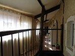 La Maison de Saint Victor - Coursive privative desservant la suite familiale