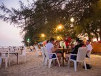You can find places to eat right by the beach.