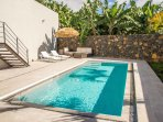 Sun loungers and comfortable outdoor lounge furniture await you on the pool terrace.