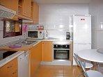 Cocina,lavavajillas,horno,cafeteras,calentador agua,microondas