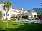 Luxury 5 bed roomed villa with spacious rooms and stunning views of mountains and sea