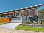 Tangalooma Hilltop Haven - 3 Levels, 5 Bedrooms, 3 Bathrooms. Sleeps 12