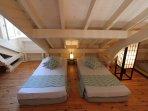 Mezzanine - espace enfants - 2 lits 90 x 190 - ventilateur