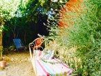Garden - vintage iron daybed
