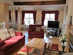Spacious Lounge/ bedroom with en suite shower room situated on 2nd floor