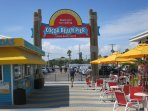 COCOA BEACH PIER: LIVE MUSIC GREAT DRINKS
