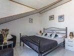 H(8+1): bedroom