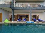 Sunbeds, beanbags, pool floats