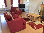 Spacious lounge/bedroom ensuite situated on 2nd floor