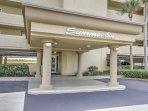 Book this cozy vacation rental condo for the ultimate Florida getaway!