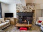 THE OLD MINERS HALL, detached, hot tub, woodburner, en-suites, in Rookhope, Ref