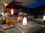 The evenings are perfect to enjoy a long & cool cocktail in a cosy bar by the beach