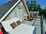 Rooftop deck w/ panoramic views of the lake!