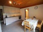 Neu renovierte Küche mit Geschirrspüler