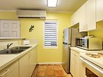 Prepare delicious meals in this fully equipped kitchen!