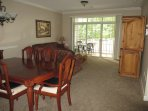 beautiful golf course view screened balcony second floor unit very safe private