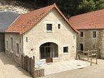 120 m² répartis sur 2 niveaux, avec petite terrasse indépendante au Sud