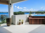 Private plunge pool with stunning views of Tamarin Bay!