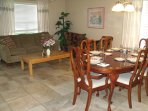 Living/dining room - gracious dining for 6-8