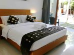 King size bed with clean linens