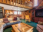 Living Room, Flat Screen TV/DVD Player, Wood Burning Fireplace, Queen Sleeper Sofa Pull-Out