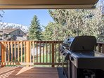 Deck OFF Living Room with Gas BBQ