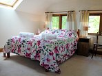 The light and very spacious double bedroom