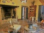Casale Maggi, Sala da  tè con camino, piano primo, 20 mq