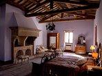 Casale Maggi, Camera LA PADRONALE, un matrimoniale e due singoli, piano primo, 50 mq