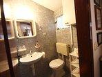 SA2(3+1): bathroom