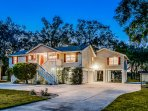 Dog-friendly, waterfront home along the St. Johns River - docks & hot tub