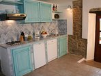 Küchenzeile mit Kühlschrank + Spülmaschine