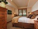 Emerald Lodge 2nd Master Bedroom - 5110