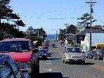 Laneda Avenue in summer.