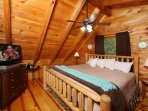 Bedroom in Loft, King Bed, Cable TV, Jacuzzi Tub, Full Bathroom