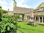 Coach House, Burford. OUtstanding holiday home in the heart of Burford