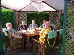 ENJOY A MEAL IN THE FRONT GARDEN, THERE IS A GAS BARBECUE FOR THE USE OF OUR GUESTS ALSO LOUNGERS.