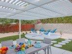 Very Private Pool Yard